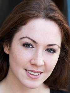 Sarah Ferris (Thea)